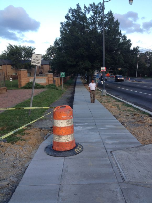 New South Dakota Avenue NE side path